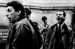 """Айвен Райтман, Дэн Эйкройд, Гарольд Рамис и Билл Мюррей на съемках фильма """"Охотники за привидениями"""", 1983 год"""