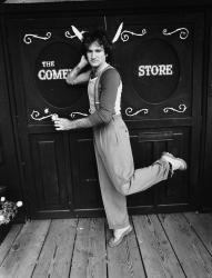 Робин Уильямс возле клуба Comedy Store в Лос-Анджелесе, 1978 год