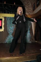 Маша Гойя на сцене