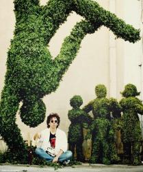 "Тим Бертон во время съемок фильма ""Эдвард руки-ножницы"", 1990 год"