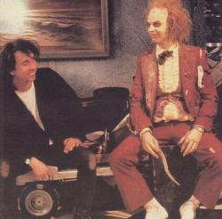 """Тим Бертон и Майкл Китон во время съемок фильма """"Битлджус"""", 1987 год"""