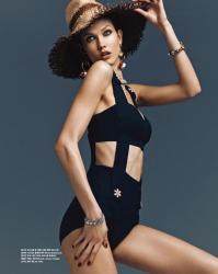 Карли Клосс в Vogue Korea
