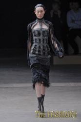 Модные платья осень 2011 от Александер Маккуин