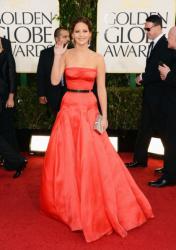 Лучшие платья звезд на вручении премии «Золотой глобус 2013»