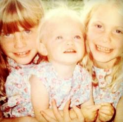 Сестры Делевинь в детстве