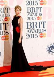 5 эффектных нарядов церемонии вручения премии Brit Awards 2015