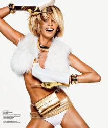 Джоан Смоллс в фотосесии Тома Манро для журнала V #85, осень 2013