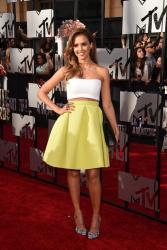 Лучшие наряды церемонии MTV Movie Awards 2014