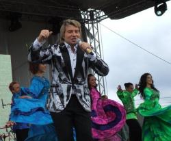 Николай Басков на сцене