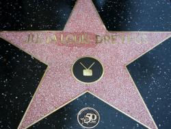 Звезда Джулии Луис-Дрейфус на Голливудской Аллее славы
