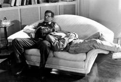 """Харрисон Форд и Стивен Спилберг во время перерыва на съемках фильма """"Индиана Джонс и последний крестовый поход"""", 1988 год"""
