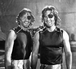 """Курт Рассел и его дублер Дик Варлок на съемках фильма """"Побег из Нью-Йорка"""", 1980 год"""