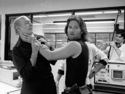 """Ли Ван Клиф и Курт Рассел на съемках фильма """"Побег из Нью-Йорка"""", 1980 год"""