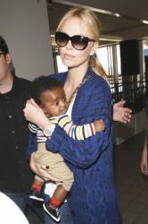 Шарлиз Терон и ее сын