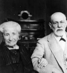 Зигмунд Фрейд и его мама Амалия