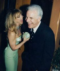 "Голди Хоун и Стив Мартин на вечеринке Vanity Fair в рамках вручения премии ""Оскар"", 1996 год"
