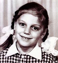 Нелли Уварова в детстве