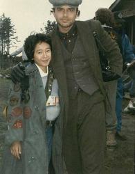 """Джонатан Ке Кван и Джо Пантолиано на съемках фильма """"Балбесы"""", 1984 год"""