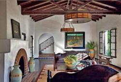 Дом Дайан Китон в испанском стиле