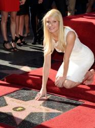 Гвинет Пэлтроу получила звезду на Аллее Славы в Голливуде