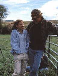 """Скарлетт Йоханссон и Роберт Редфорд на съемках картины """"Заклинатель лошадей"""", 1997 год"""
