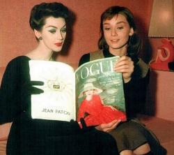 """Довима и Одри Хепберн на съемках фильма """"Забавная мордашка"""", 1956 год"""