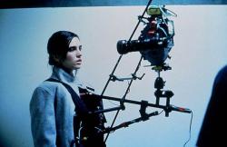 """Реквием по мечте"". К телу актрисы Дженнифер Коннелли прикреплена камера SnorriCam. 1999 год"