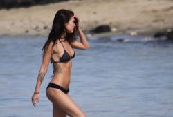 Меган Фокс  на гавайских пляжах