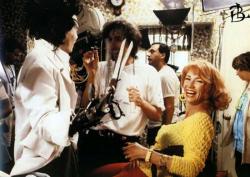 "Джонни Депп, Тим Бертон и Кэти Бейкер на съемках фильма ""Эдвард руки-ножницы"", 1990 год"